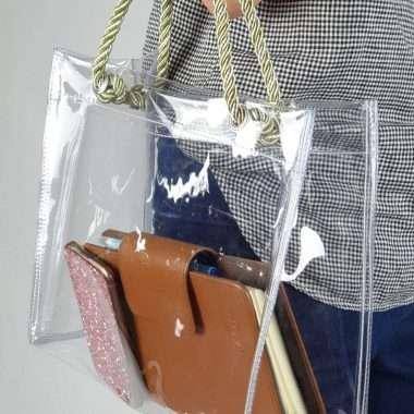กระเป๋าใส_181206_0024-380x380